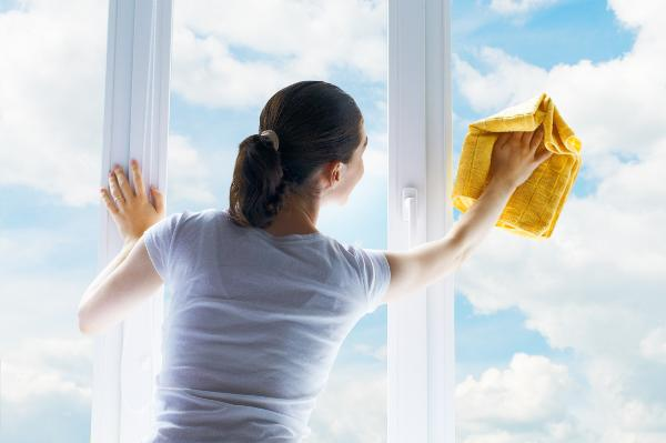 Tips to avoid injuries while spring cleaning